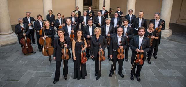 La Fondazione Cassa di Risparmio di Padova e Rovigo festeggia il Natale con i Solisti Veneti e l'Orchestra di Padova e del Veneto.