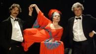 """Domenica 5 ottobre alle 17.00 al Teatro Ballarin di Lendinara (RO) il duo di musicisti Dosto & Yevski, con le incursioni del mezzosoprano Donna Olimpia, presenterà lo spettacolo """"Rap-sodia"""", connubio di musica e comicità che gioca con i generi più diversi."""
