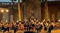"""Mercoledì 27 luglio quarto appuntamento nel Teatro Giardino di Palazzo Zuckermann di Padova, l'Orchestra di Padova e del Vento, diretta da Marco Angius, eseguirà la Sinfonia n. 8 in fa maggiore op. 93 e la Sinfonia n. 3 in mi bemolle maggiore op. 55 """"Eroica"""" di Beethoven"""