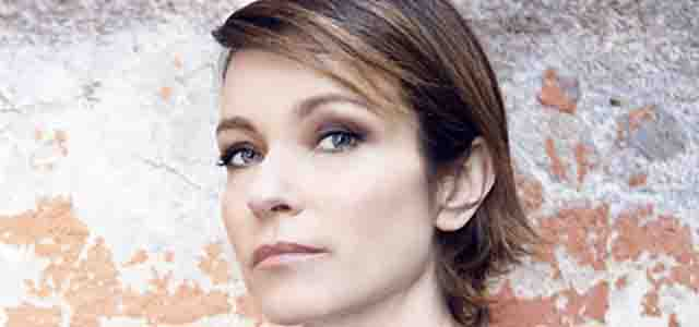 "Stefania Rocca porta in scena gli ""Esercizi di stile"" di Queneau"