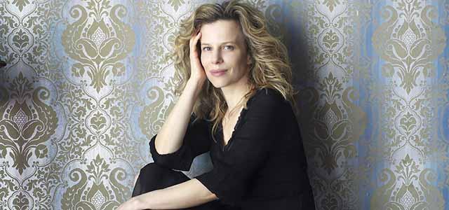 L'attrice Sonia Bergamasco legge la Metafisica dei tubi di Nicola Campogrande