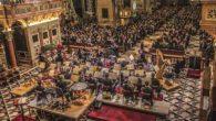 """Il direttore Giovanni Battista Rigon e il contralto solista Valeria Girardello protagonisti del  Concerto di Natale """"spazializzato"""" che l'OPV dona alla Città mercoledì 12 dicembre alle 20.45 alla Basilica del Santo. Inviti gratuiti in distribuzione dal 4 dicembre"""