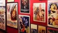 Un corpus unico che riunisce ogni sorta di materiale prodotto da Fellini o che lo riguardi: copioni, contratti, lettere, fotografie, di scena e di vita privata, manifesti e locandine, oggetti di scena, costumi, libri da lui posseduti o a lui dedicati.
