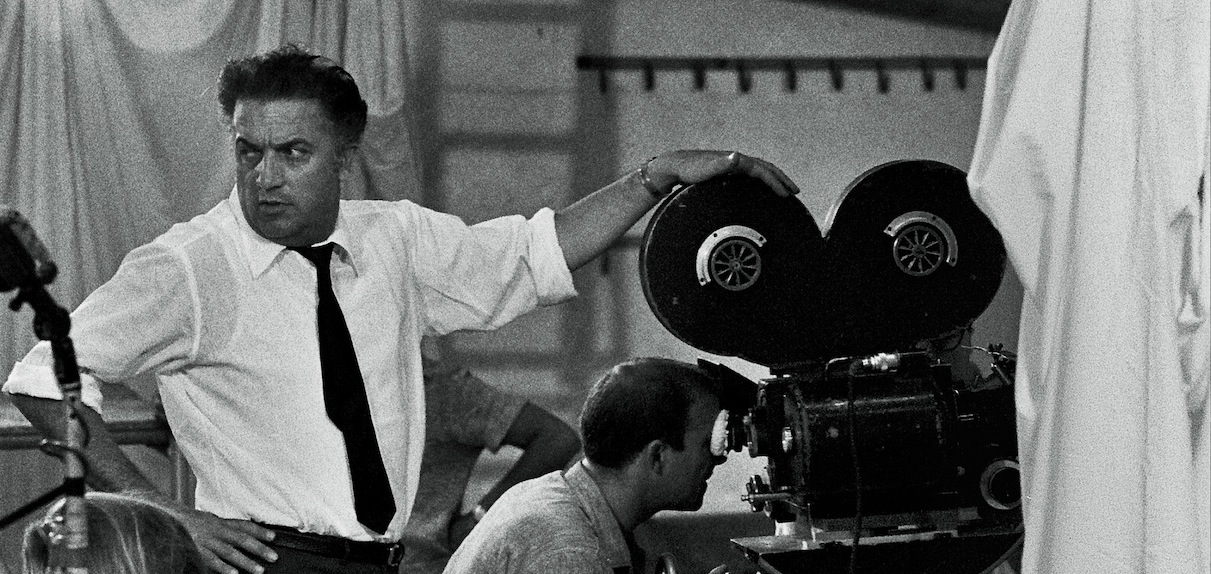 """Rai 5,""""Save The Date"""" presenta la mostra """"Verso il centenario. Federico Fellini 1920-2020"""""""