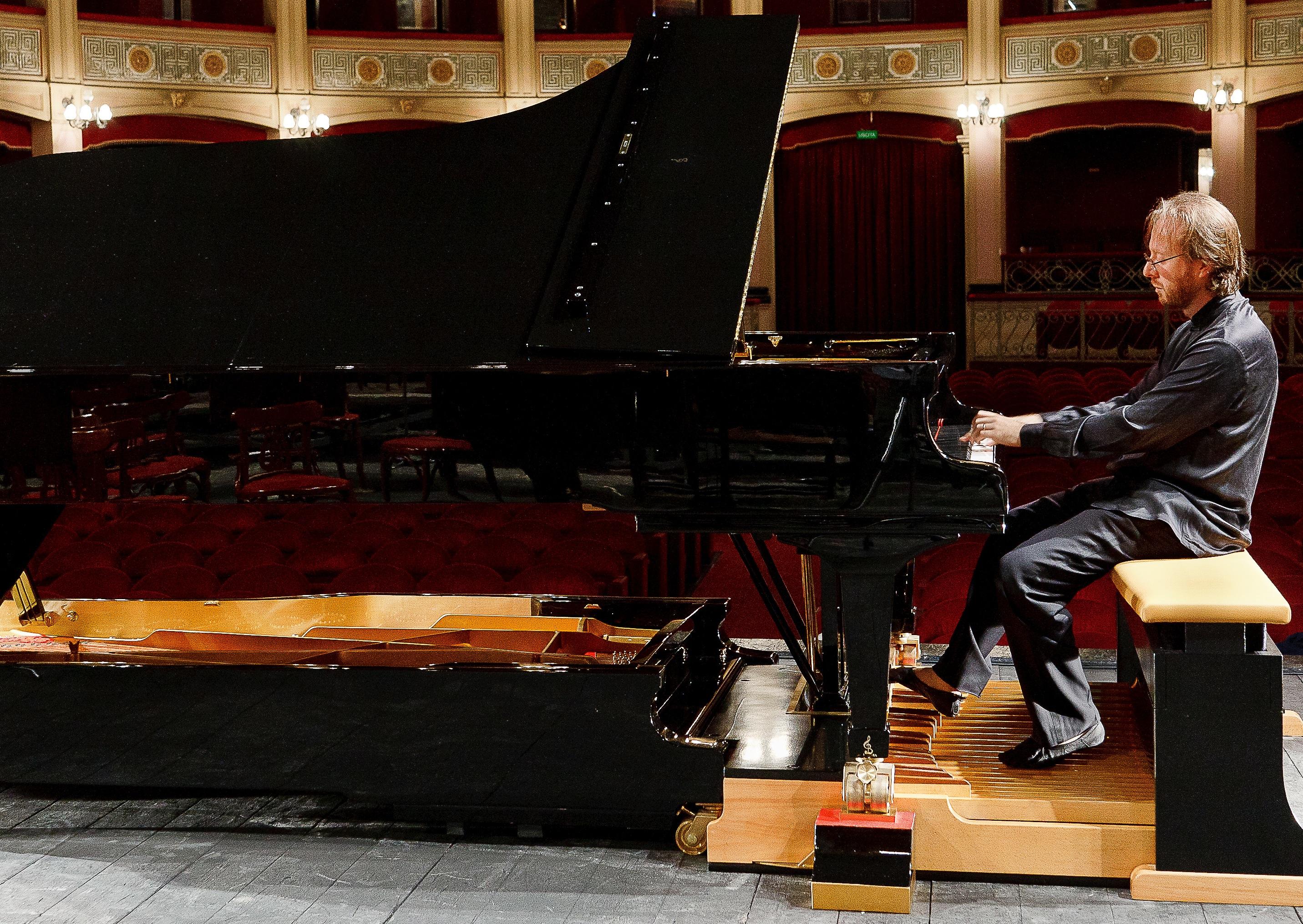 Il suono 'ritrovato' del pedalpiano: Roberto Prosseda in concerto a Vicenza