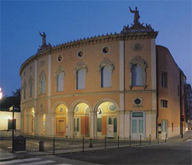 Il Teatro Nazionale di Maribor porta a Padova «La Traviata» firmata De Ana.