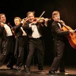 Le Quatuor - Photo 2 (en marche) © Didier Pallagès rid2