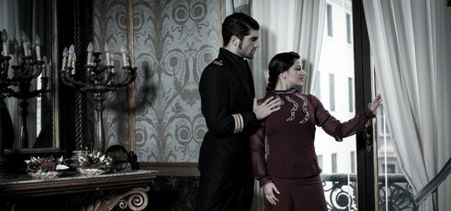 Tiempo: La Historia de un amor en tiempos de guerra